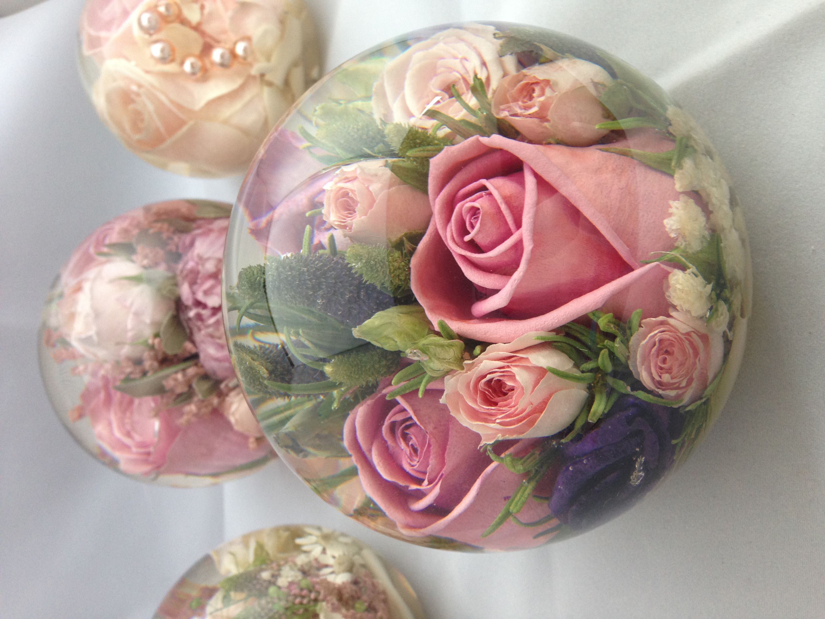 wedding flower preservation multi flower paperweight 4 5 inch flower preservation 9515